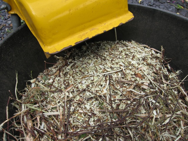 woodchip-shredder-peat-free-compost